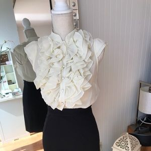 Romeo + Juliet Ruffle black and white
